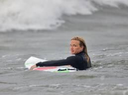 suomi-surffi-nainen